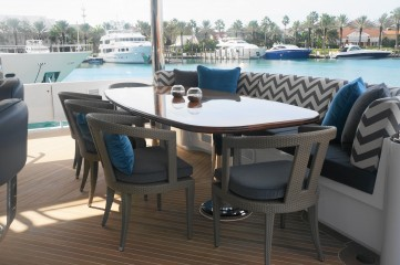 Aft Deck Dining Seating