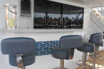 lower deck bar seating