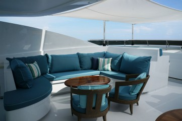 Sun Deck Lounge Seating with Euro-Awning
